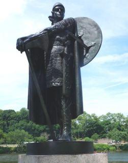 Bronze statue of Thorfinn Karlsefni by Einar Jónsson, Philadelphia, 1920.